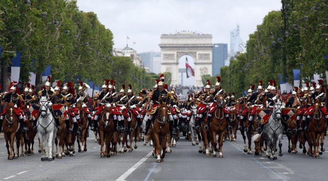 «Si nous ne faisons rien, le dernier soldat français défilera sur les Champs-Élysées le 14 juillet 2040»
