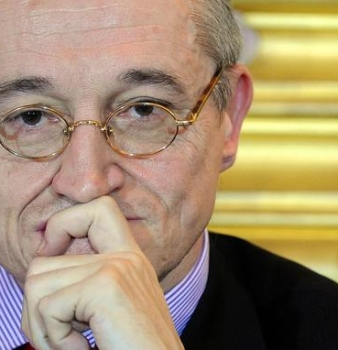 Vu dans le Figaro : Le chantre de l'«union des droites», Paul-Marie Coûteaux, rejoint le Parti Chrétien démocrate