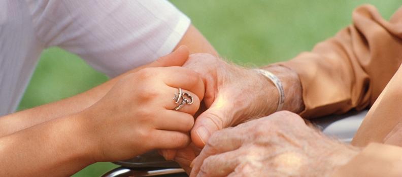 «Personne ne doit mourir seul» : mon ouvrage sur les soins palliatifs.