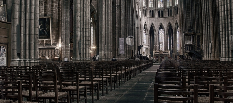 [PRESSE] Couvre-feu : les églises vont-elles de nouveau fermer ?